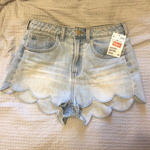 NWT H&M High-waisted Flower Petal Shorts Size 4
